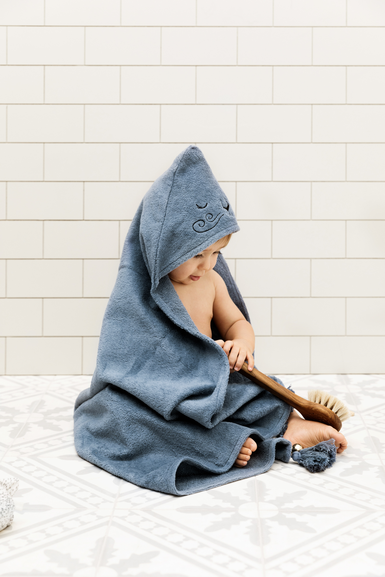 1038702_hooded_towel_tender-blue_ls